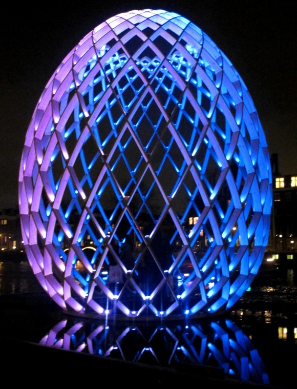 Amsterdam Light Art lichtkunst lichtsculptuur  OVO foto Maria Trepp 580x759 Amsterdam Light Festival/ Janet Echelman